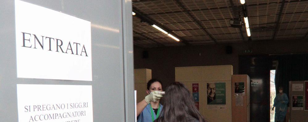 «AstraZeneca  In due giorni  600 vaccinati»