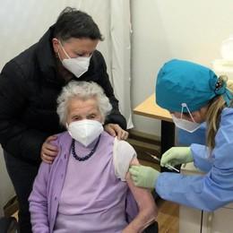 Vaccinazioni agli anziani  Anche ai centenari