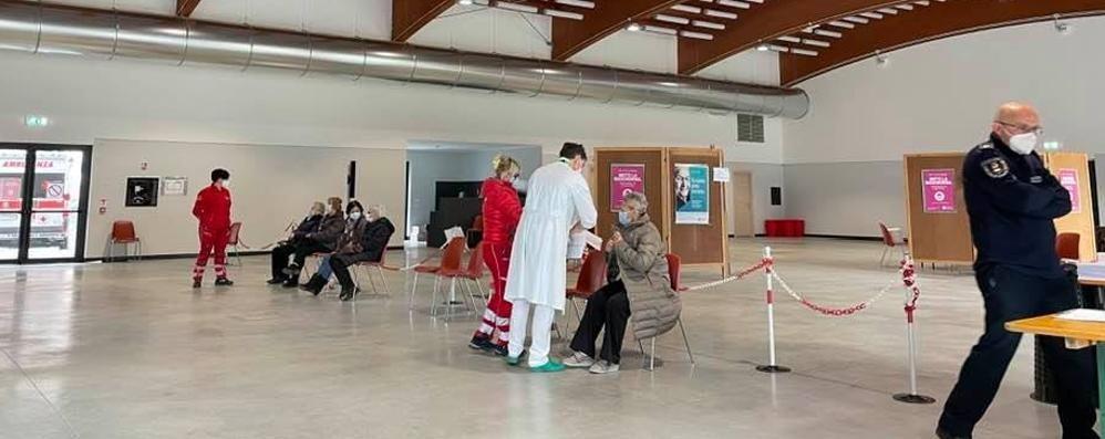 Vaccinazioni degli anziani  Entro marzo il 64%  Gli altri vanno dopo Pasqua