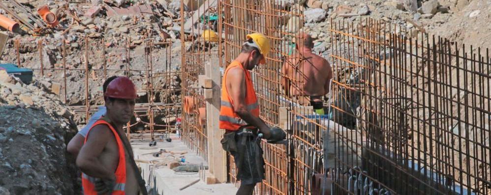 Pandemia, persi in un anno  quattromila posti di lavoro  in provincia di Sondrio
