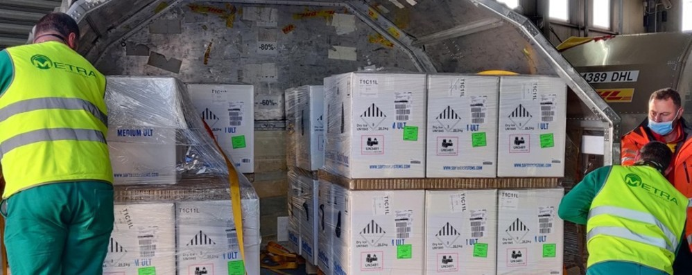 Vaccini in Lombardia  Pronti ad aprire   le prenotazioni per gli under 65