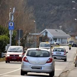Chiavenna, a 111 all'ora in via Volta  500 euro di multa e via la patente