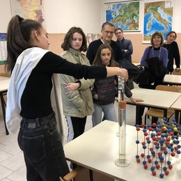 Concorso di scienza  Vince il Piazzi Lena Perpenti  con Nicholas e Sofia