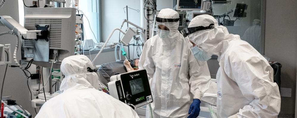 Covid: 10.554 positivi e 207 morti in Italia, a Como 136 nuovi casi a Lecco 55 e a Sondrio 42