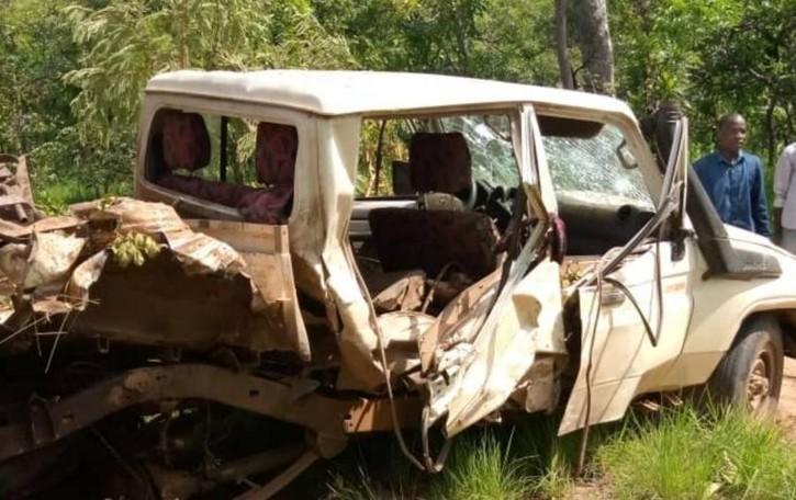 La jeep di padre Urbani   finisce su una mina  Missionario salvo per miracolo
