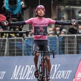 Il Giro d'Italia pedala   verso la Valle Spluga