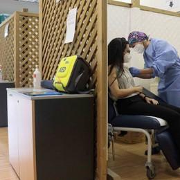 Tocca ai trentenni  prenotazioni aperte  Si vaccina veloci