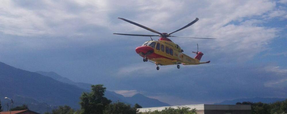 Alpinista di 28 anni precipita  In ospedale con più fratture