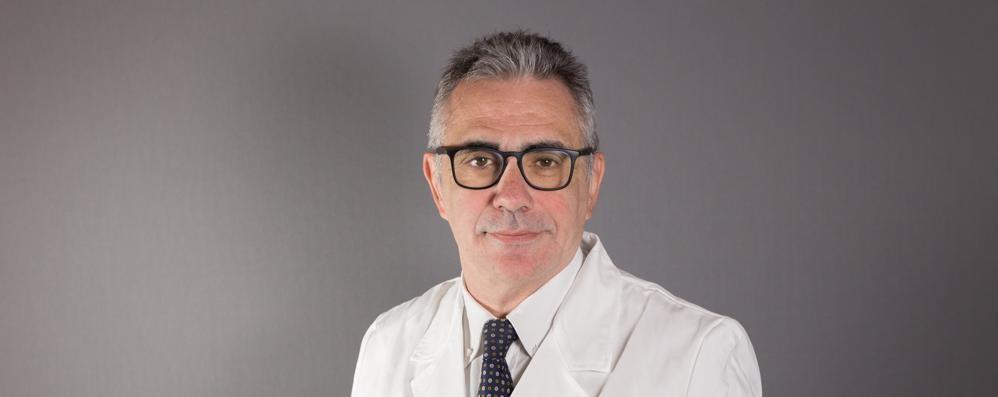 Il virologo Pregliasco:  «Senza la mascherina  ci sarà il colpo di coda»