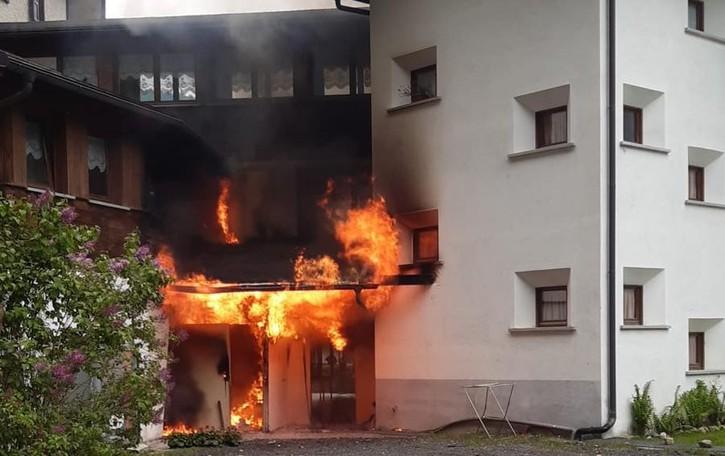Incendio all'hotel  Campodolcino, danneggiato  l'albergo Europa