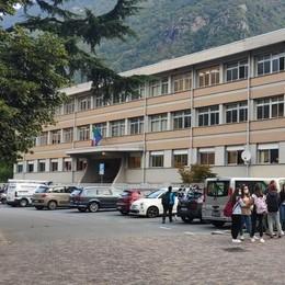 In quarantena  già cinque classi  Da Bormio a Tirano